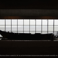 Viking-ship_at_roskilde-museum,_denmark copy.jpg